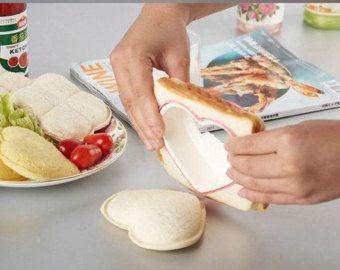 1pcs Cute  Heart Shape Sandwich Mold Bread Cutter Tool Maker Mold Cutter Craft-Gift bento accessories  bread cutter baking molds 25 KR ØNSKER