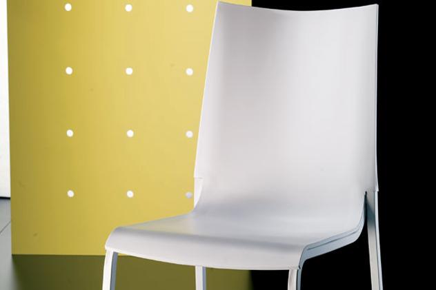 Sedia #eva. sedia impilabile con scocca in #polipropilene