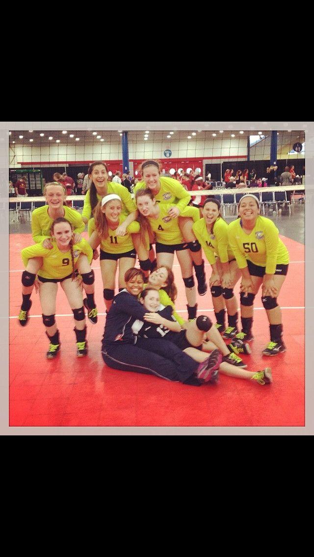 Crazy Team Photo 7 Sports Design Volleyball Humor Usa Volleyball