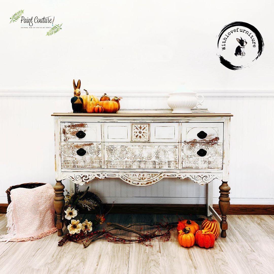 YES!! We are all about these fall vibes 🎃🍂 What's your next project for fall?! . . #paintedfurniturelove #decor #zibracollective #refinishedfurniture #furniturepainter #farmhousecharm #furnitureart #womanownedbusiness #fall #furniturerehab #paintcouturepaint #scottsdale #paintedfurniture #homedecoratingideas #paintcouturecustomblends #furniturepaint #iodstamps #furnituremakeover #decoratingideas #zibrafurnitureart #pierceandbelle #furniturepainting #paintcoutureshowcase #mybhg #paintcouture
