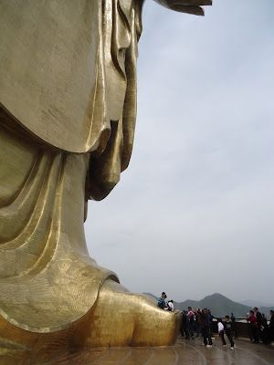 World Wondering: Pingdingshan and the Spring Temple Buddha. Tallest statue in the world.