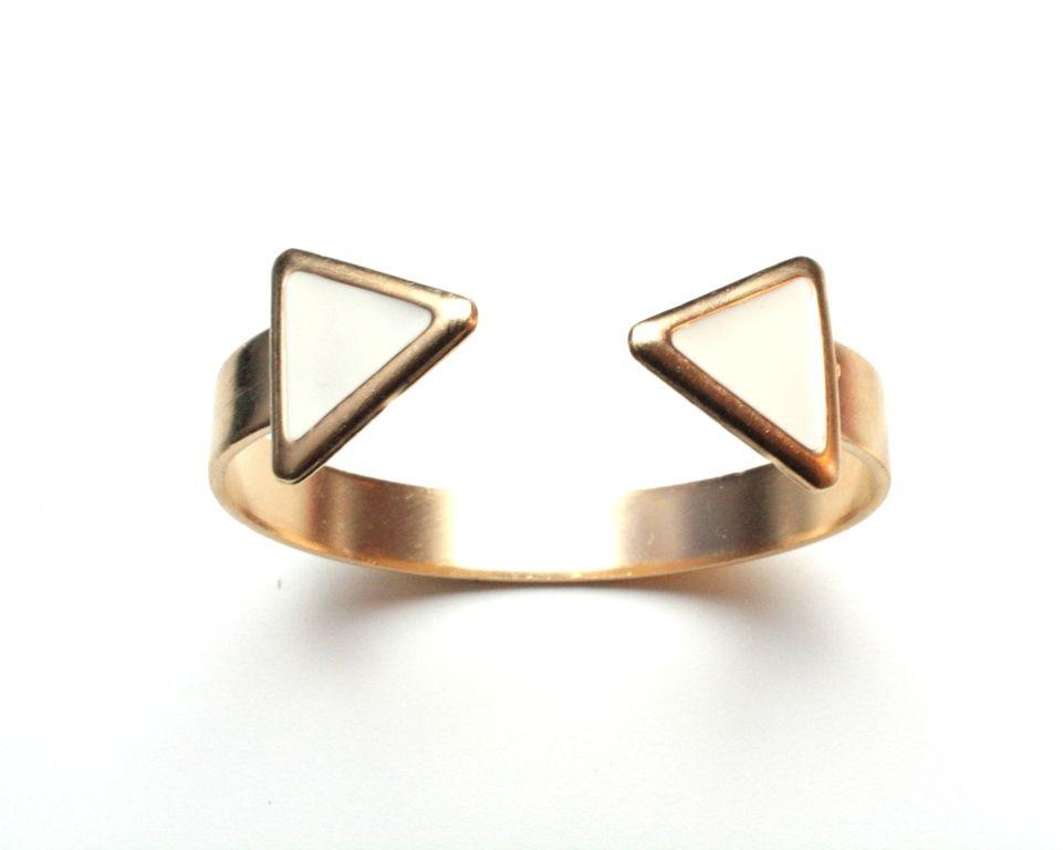 Triangle!  Leticia Ponti jewelry