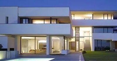 𝑬𝒙𝒕𝒆𝒓𝒊𝒐𝒓 𝑽𝒊𝒆𝒘 𝒐𝒇 𝒕𝒉𝒆 𝑹𝒆𝒔𝒊𝒅𝒆𝒏𝒄𝒆  #Exteriorview #residence #upvcdoors #upvcwindows #glassrailings #texturepaint #modernhouses #moderndesign #housedesign #beautifulhouse #exteriordesign #villas #houseandhome #modernhomes #exteriorelevation #architecture