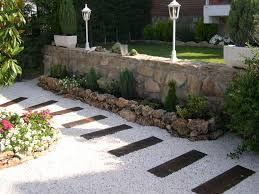 Resultado de imagen para jardines con piedra calcarea