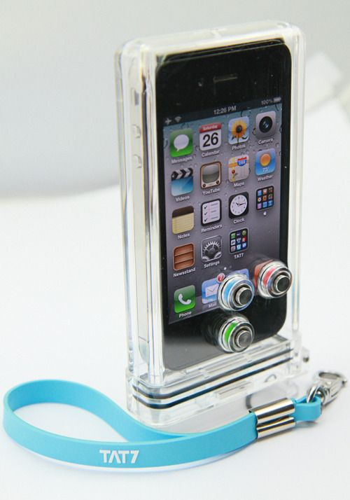 The TAT7's iPhone Scuba Case makes underwater iPhoneography totally possible! Your iPhone is waterproofed for up to 100 feet, & its camera features can be accessed with special buttons on the case.
