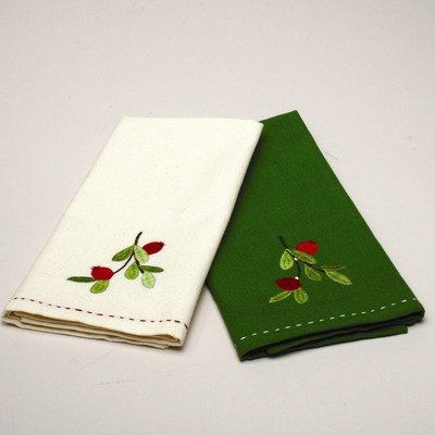 $13.00 Jardin Christmas Cranberries Embroidered Guest Towel (Set of 2)  From Tag   Get it here: http://astore.amazon.com/ffiilliipp-20/detail/B0099W7J1S/181-3302158-4087105