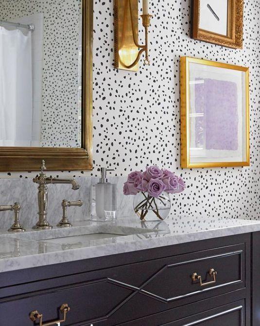 11 Bold Wallpaper Looks Amazing Bathrooms Interior
