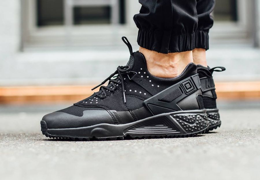 quality design ce422 46577 Nike Air Huarache Utility  Black  post image