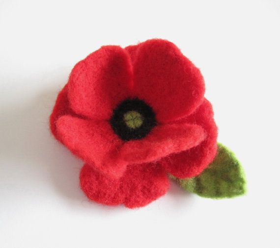 Needle Felted Red Poppy Brooch by PatsParaphernalia on Etsy, £12.00