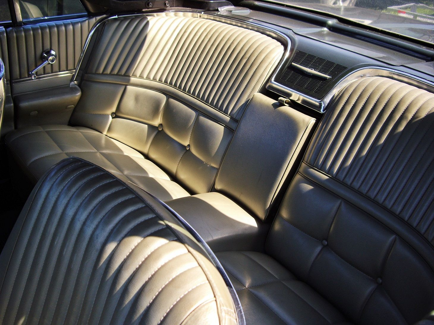 Awe Inspiring Rear Seat Of 1966 Thunderbird Car Upholstery Upholstery Ibusinesslaw Wood Chair Design Ideas Ibusinesslaworg