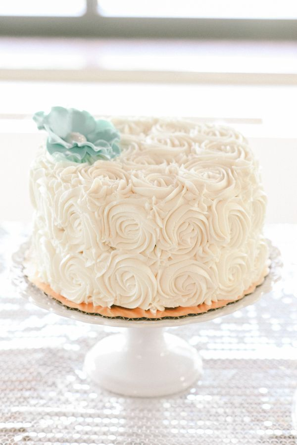 simple one layer wedding cakes cedarbrook country club pennsylvania real wedding trendy 20000