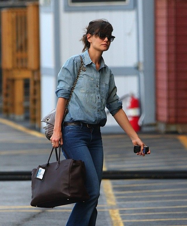 700fb442a9 The Many Bags of Katie Holmes