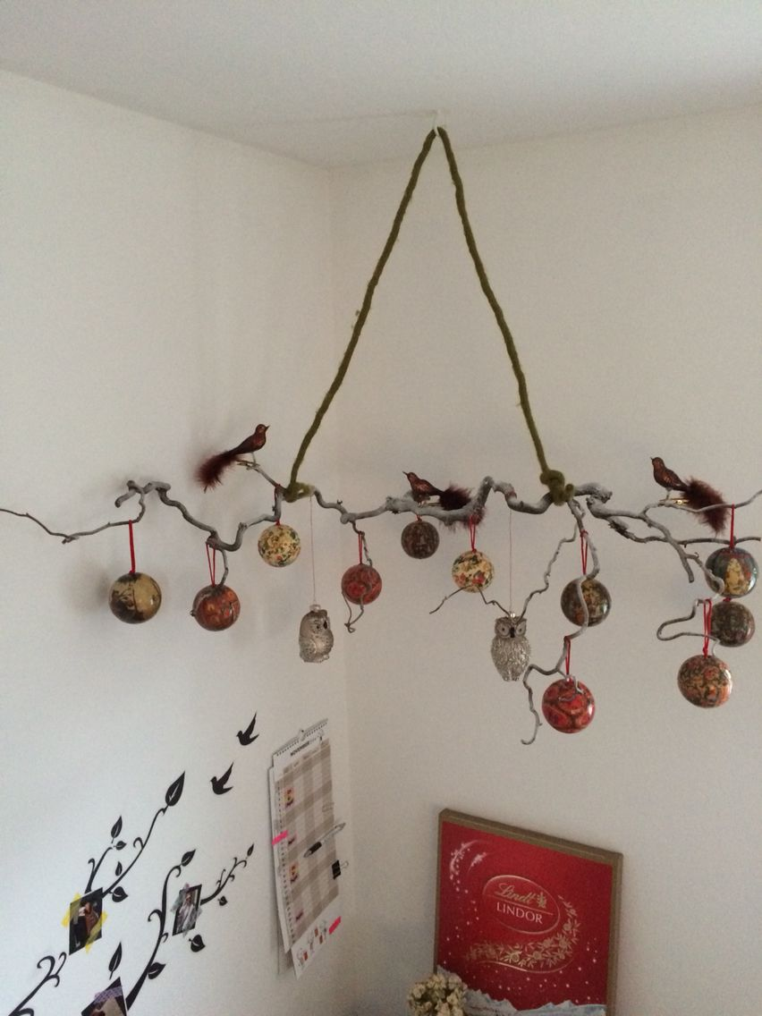 geschm ckter zweig advent weihnachten h ngende dekoration ast xmas decoration hanging. Black Bedroom Furniture Sets. Home Design Ideas