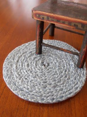 SQUARE  WOVEN RUG A  BEAUTY  DOLLHOUSE FURNITURE