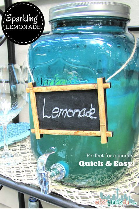 Quick and Easy Sparkling for a Crowd #sparklinglemonade Sparkling Lemonade Recipe: Quick and Easy for a Crowd - fresh lemons, agave nectar, and soda water or lemon lime soda makes a light and refreshing punch #sparklinglemonade