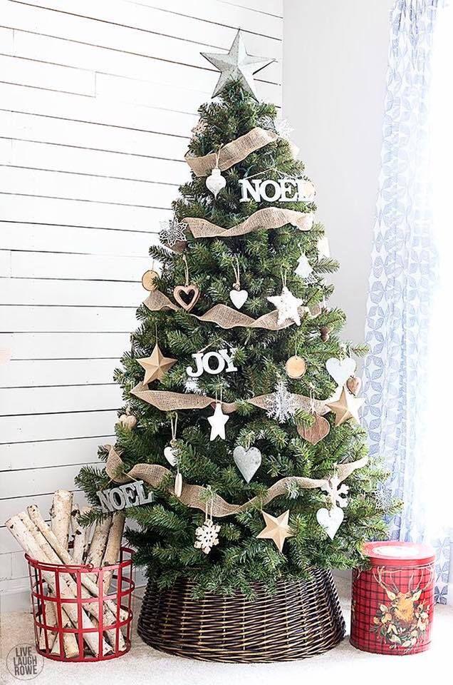 Christmas Tree Simple, Rustic Christmas Tree Decorations, Simple Tree,  Wicker Christmas Tree Skirt - Pin By It's Only Me �� Delia Clark On Christmas Christmas