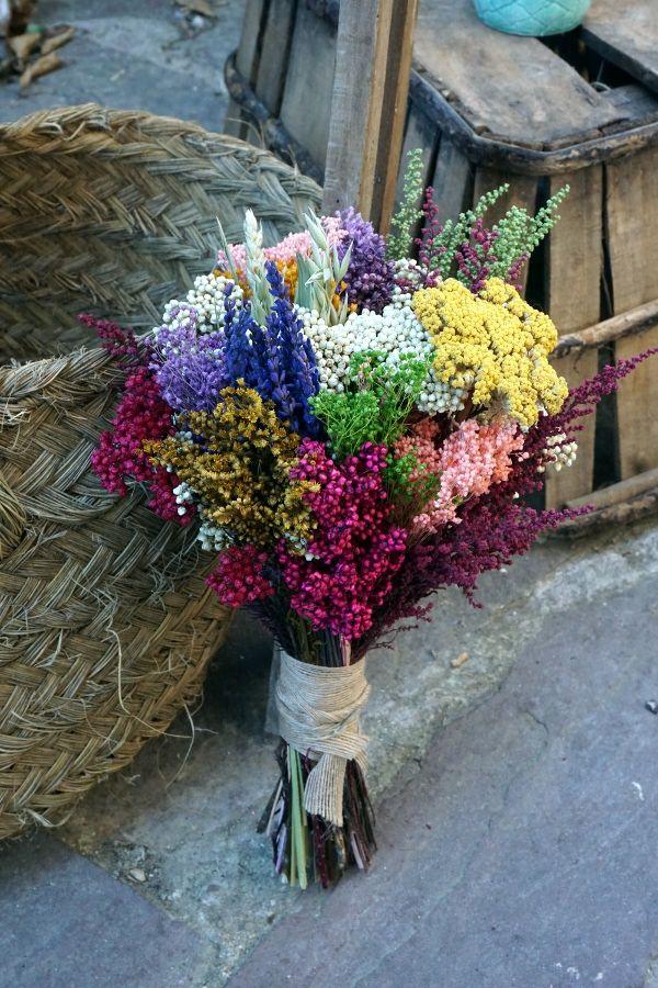 ramo preservado silvestre con lavanda flor de arroz achillea y otras flores de campo