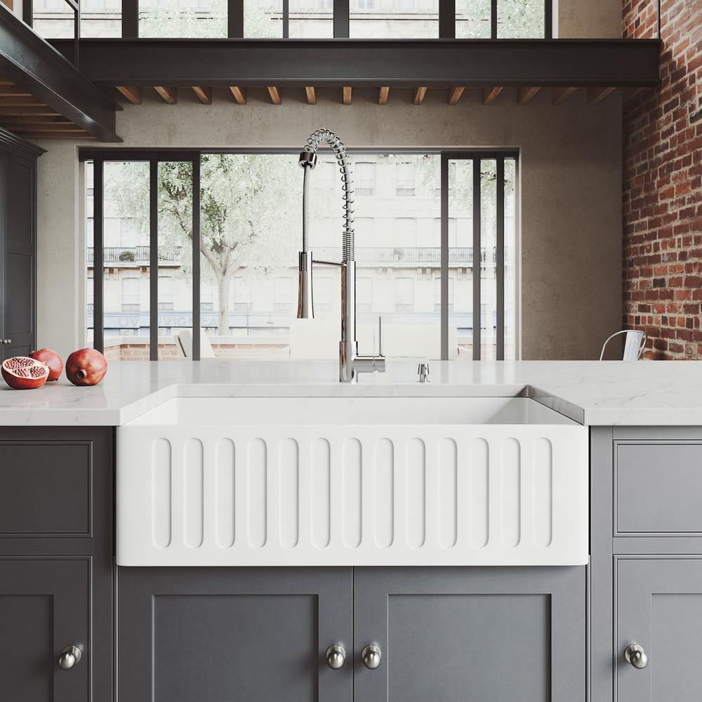 Vigo All In One Farmhouse Apron Front Matte Stone 33 In 0 Hole Single Bowl Kitchen Sink With Faucet In Chrome Sink Kit Matte White In 2020 Farmhouse Sink Kitchen Single Bowl Kitchen Sink