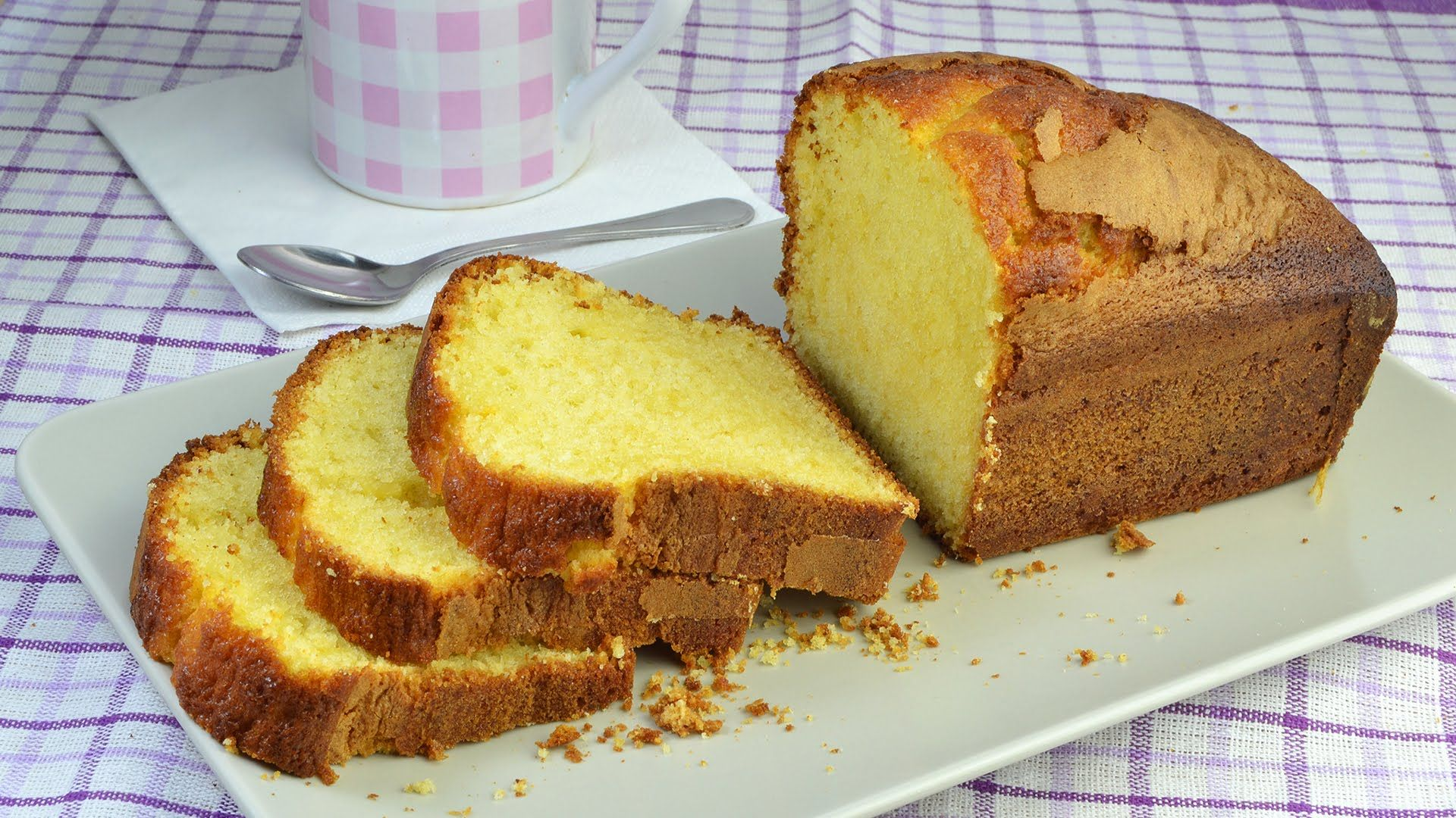 Learn how to make a delicious lemon yogurt cake at home. This fluffy sponge cake…