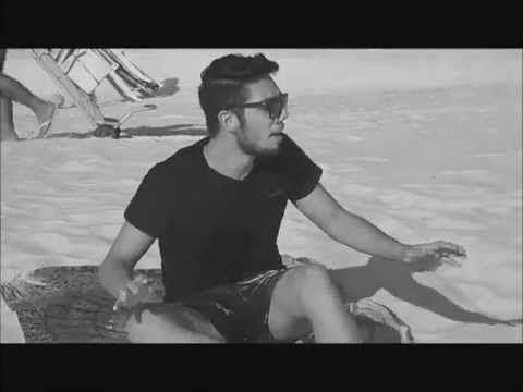 Todo Azul do Mar - Black and White Crush - YouTube