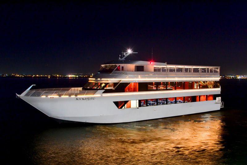 Exclusive Holiday Yacht Party  Aquarium Way Long Beach Ca