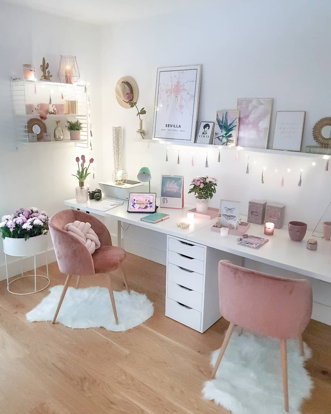 Love The Double Desks And Pretty Home Decor In This Office Design
