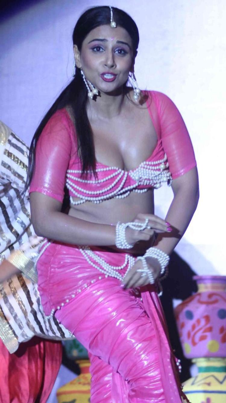 Vidya balan hot and sexy pic