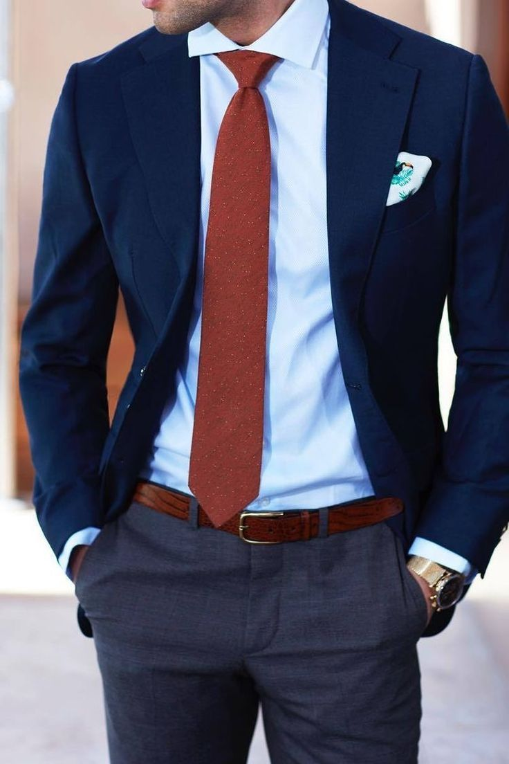 Classic men's suit for a wedding ocassion. And if you're