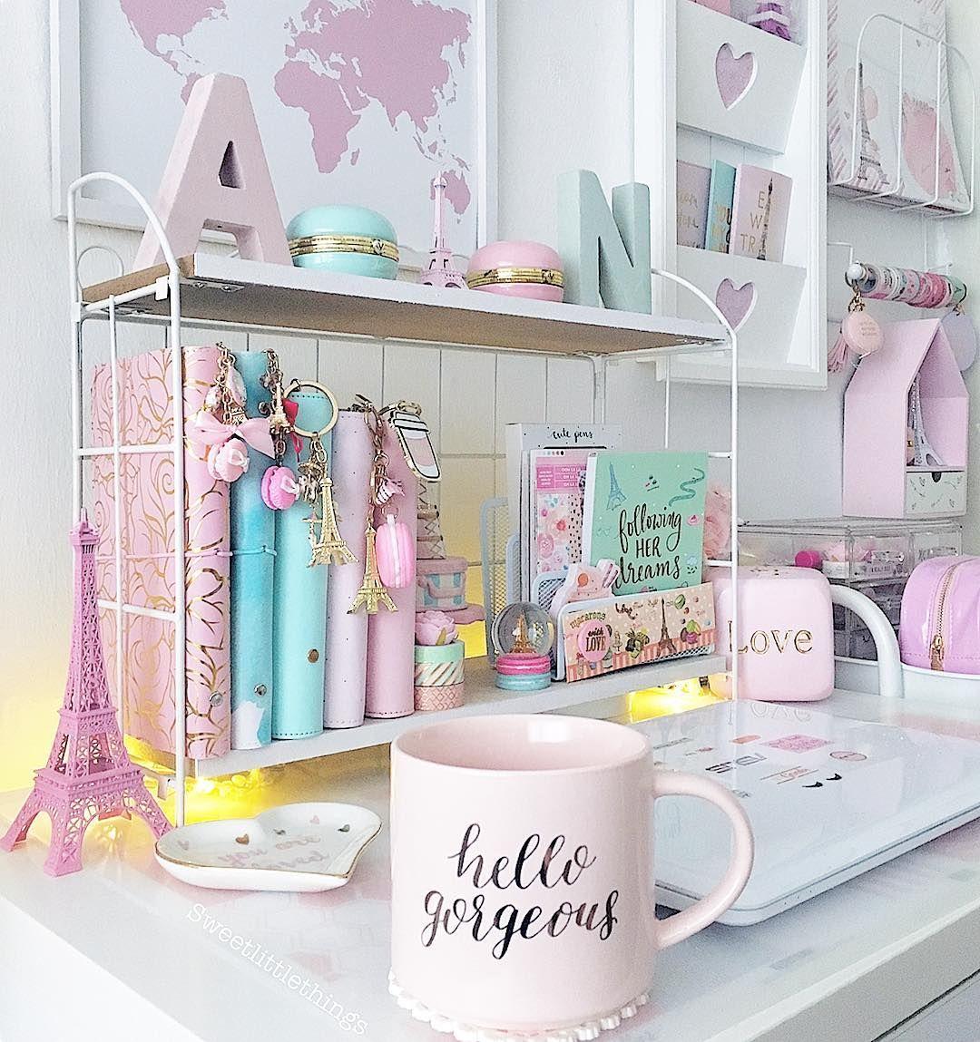 girly office space hobbyruimte hello gorgeous decor spare room rh pinterest com