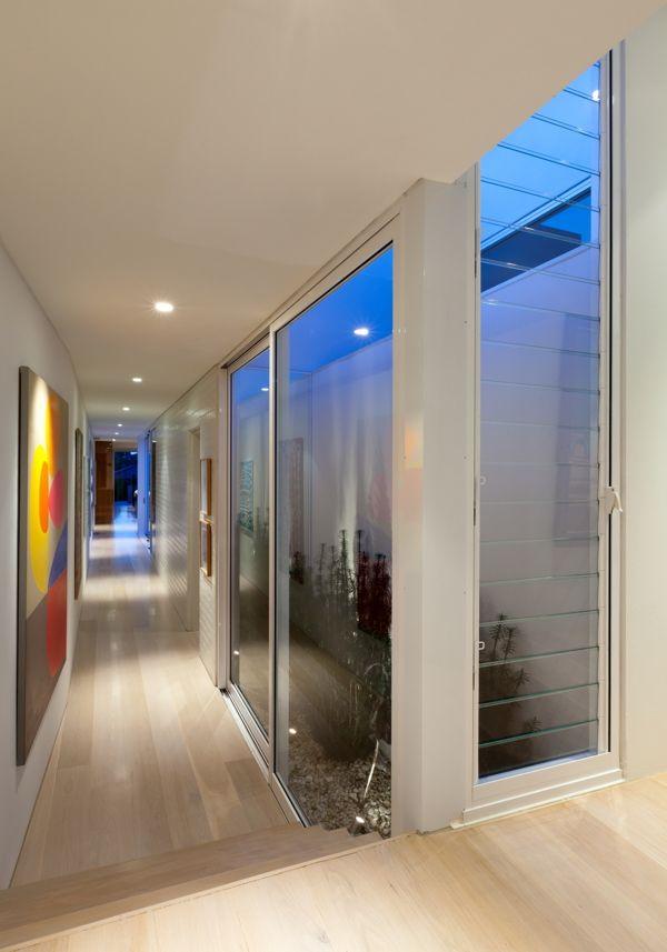 TFAD Architects, Annie Benjamin Interior Design, Coogee House | art hallway