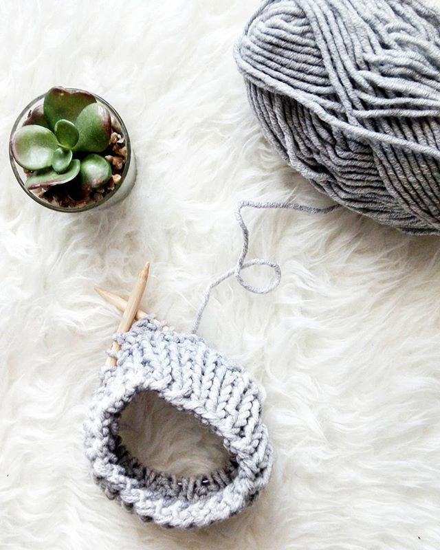 WEBSTA @ ltblogged - Cold Fridays demand some cozy knitting!✌...#littlethingsblogged #knit #knitting #knittingaddict #knittersofinstagram #knitting_inspiration #i_loveknitting #makersgonnamake #tgif #yarn #yarnlove #yarnaddict #molliemakes #ourmakerlife #stitchandhustle #craftastherapy #wemakecollective