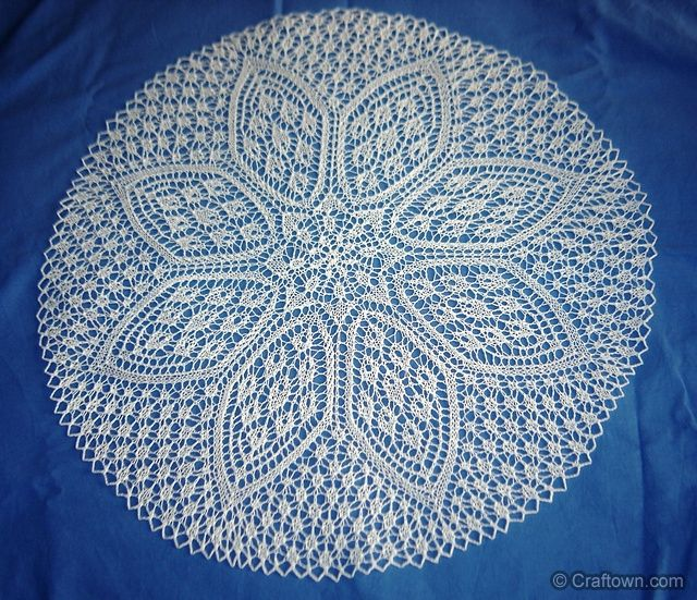 Petals doily knitting pattern. | KNITS | Pinterest | Encaje y Free