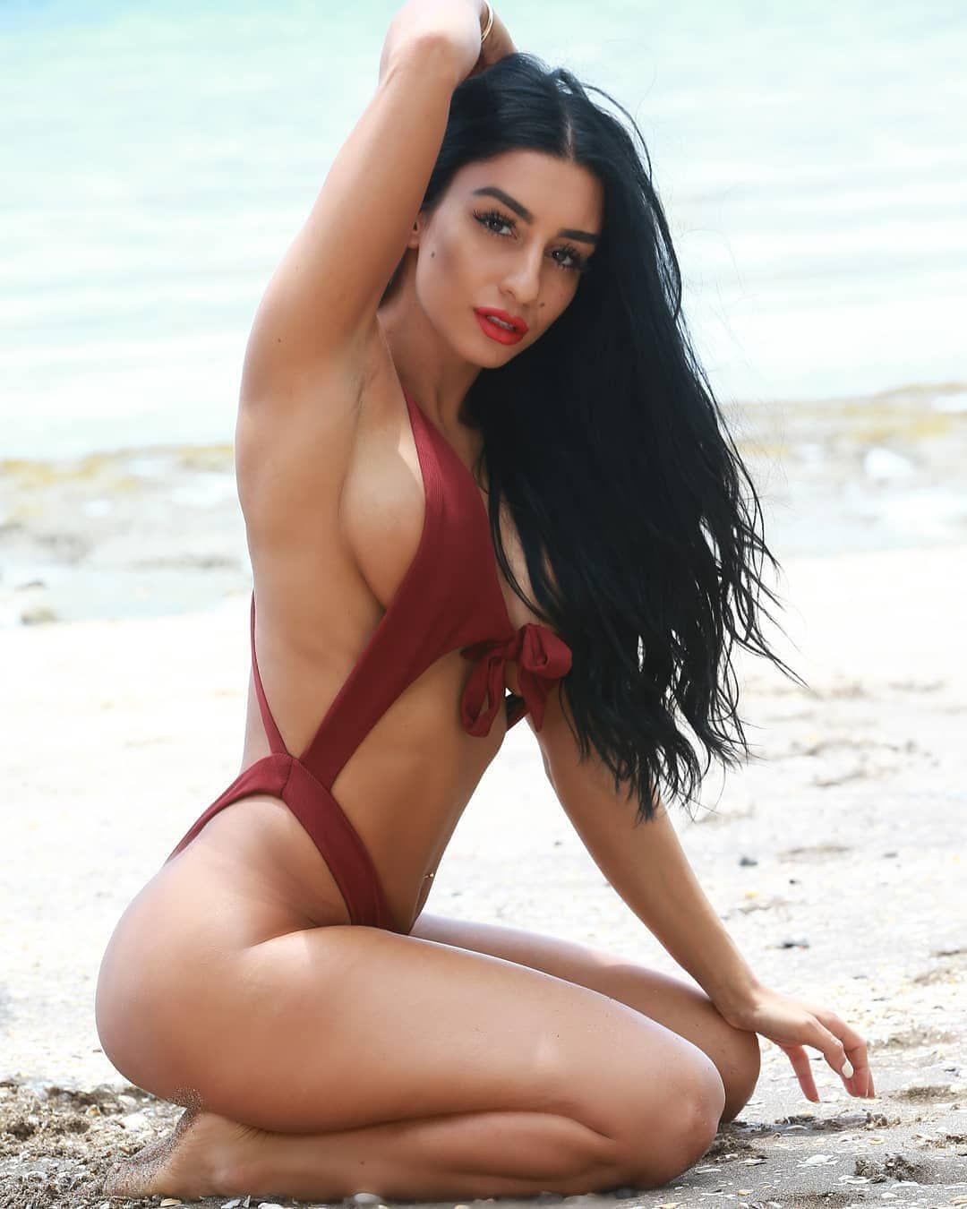 Swimsuit Nude Chicago Frauen Gif