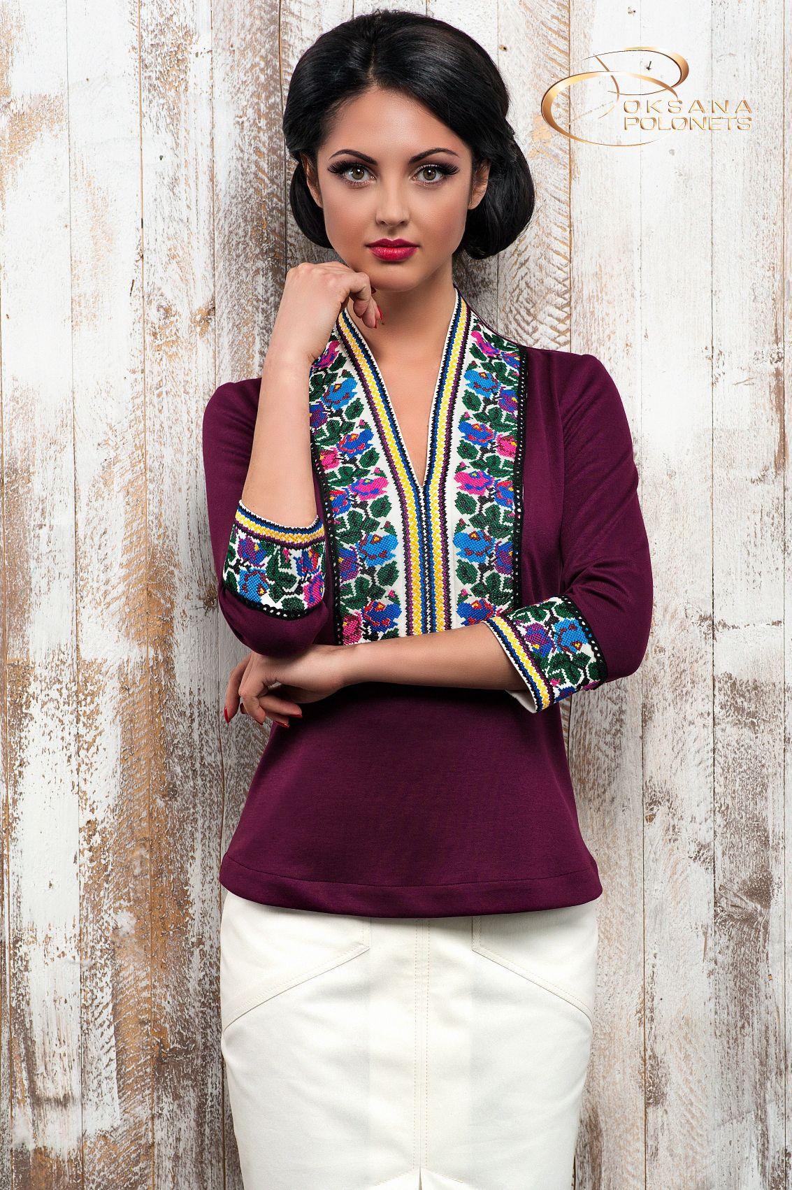 Сучасна жіноча блуза з Борщівською вишивкою.