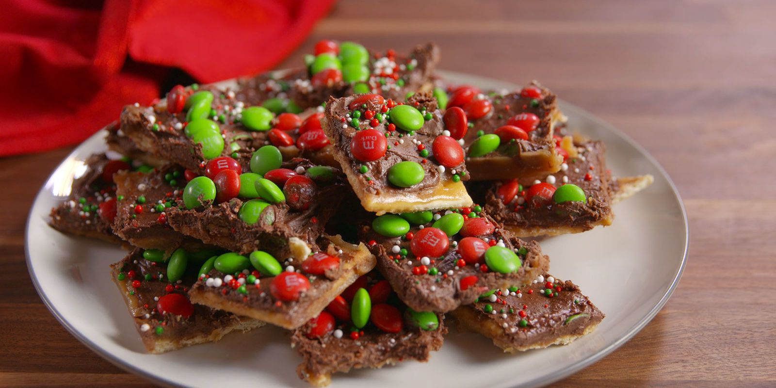 Best Christmas Candy Recipes.Holiday Crack Candy
