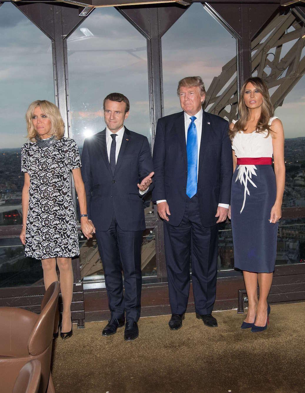 50f4c623565 Brigitte Macron et Melania Trump   un dîner à Paris - Elle