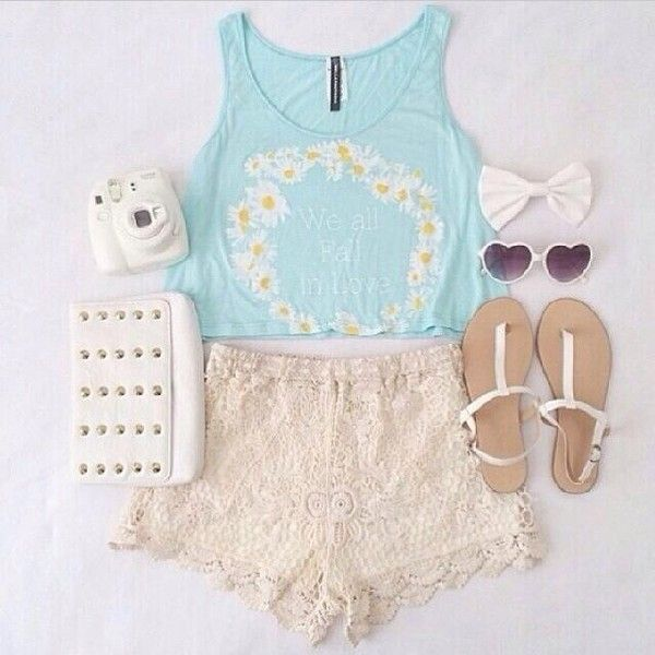 Daisy crop top, Lace shorts & White sandals