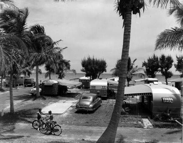 The Paradise Of 1950s Florida Ocean Front Campers In