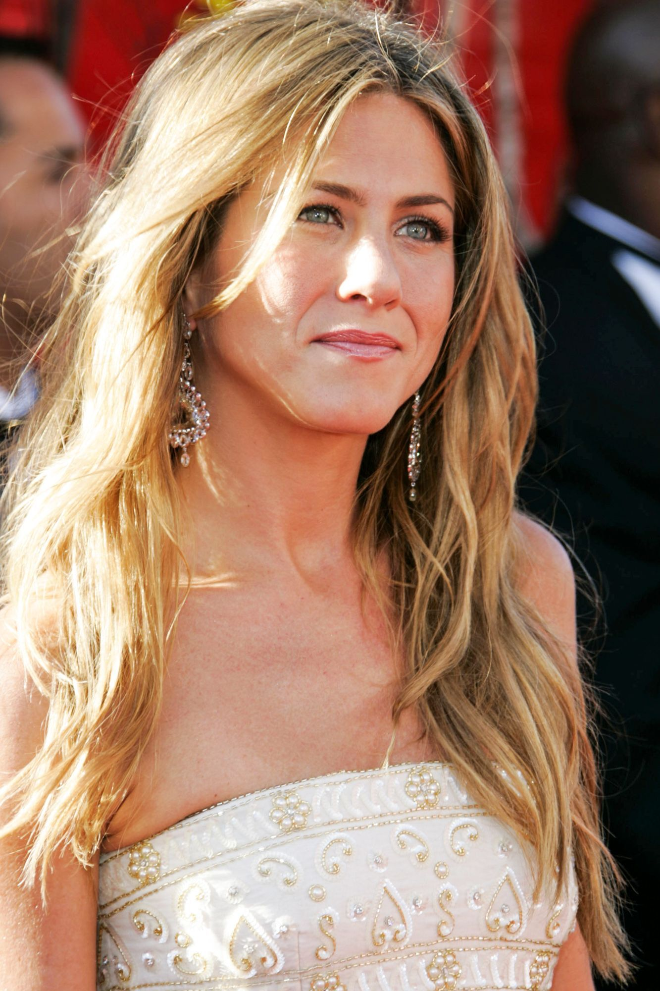 50 of Jennifer Aniston s Greatest Hairstyles Pinterest