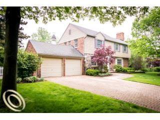 $650,000 56 Hawthorne Rd, Grosse Pointe Shores, MI 48236