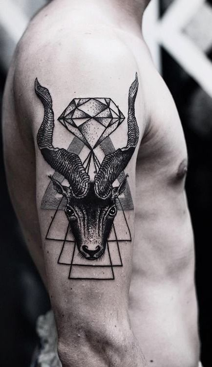I just love this style of tattoo with the small lines and dots to make up the whole image.