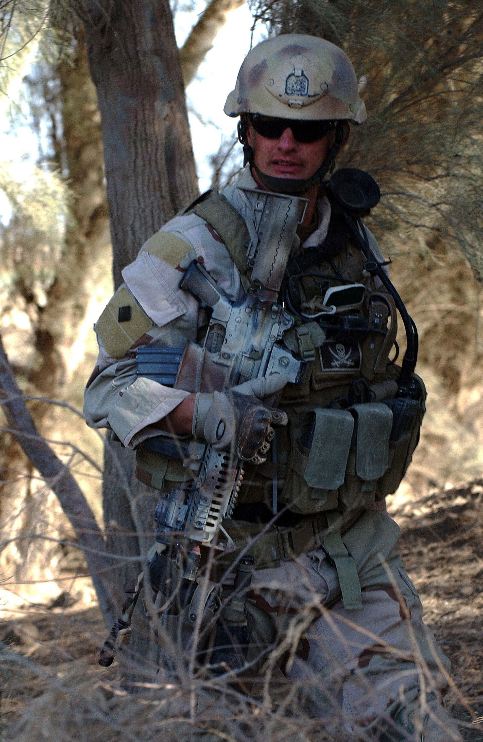 Polish army 1st Lt. Tomasz Grzeszczyszyn teaches U.S. Army and ...