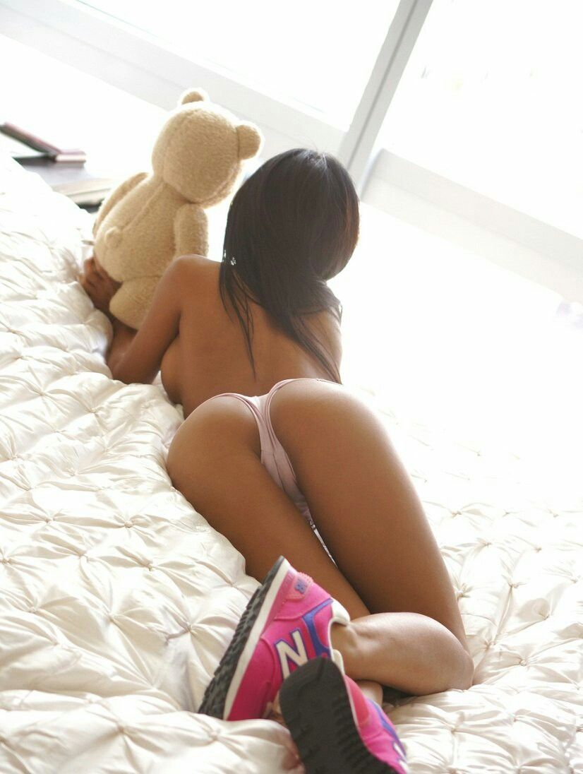 Fit sexy girls fuck amateur