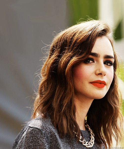 lily collins. I LOVE HER AND I WANT HER HAIR.