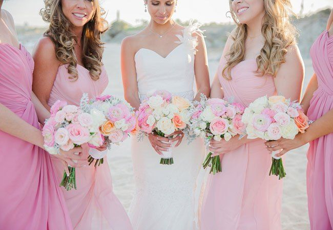 Wedding bouquets | Sara Richardson Photography | blog.theknot.com