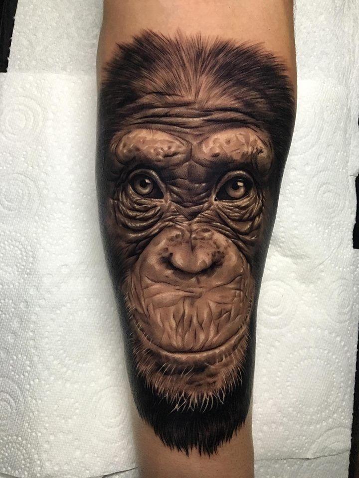 Ash Higham Chimp Tattoo at Rapture Studio Tatuagem