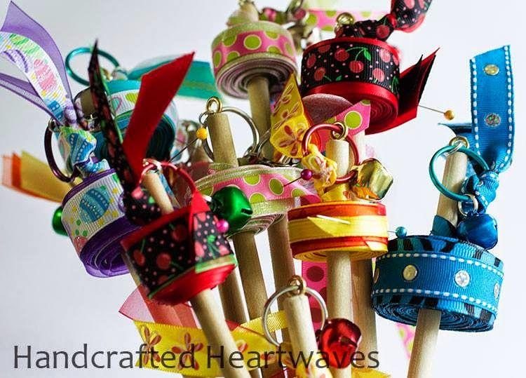 Shoeboxes of love dancing ribbons no sew projects for Manualidades navidenas para ninos