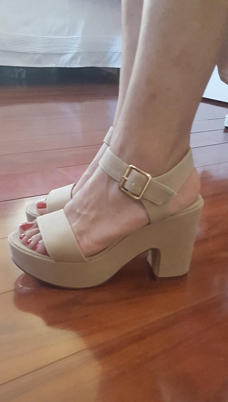 53cac62716 AmazonSmile | BAMBOO Women's Chunky Heel Platform Sandal with Quarter Strap  | Heeled Sandals