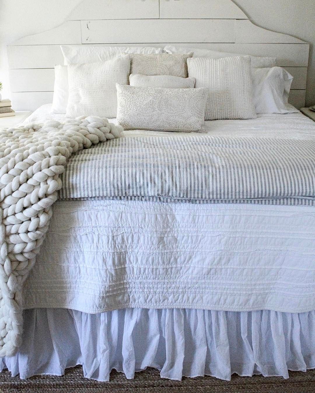 Absolutely love guest bedroom decor farmhouse bedroom