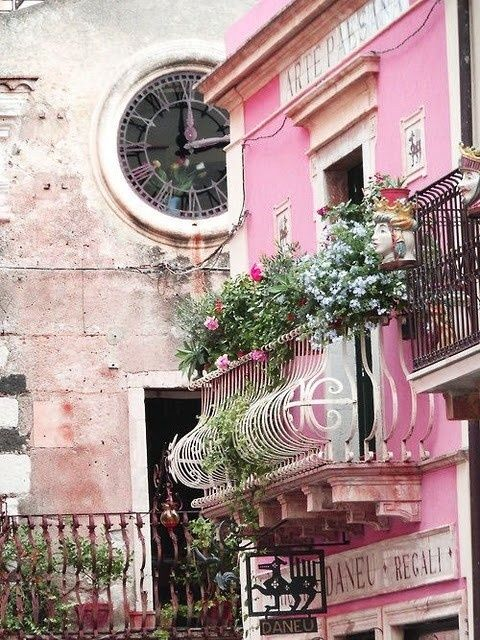 Balcony Gardening  Gardens - Arte Paesana, Taormina, Italy - unknown source